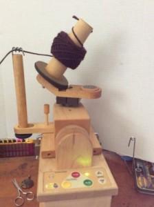 Electric yarn winder