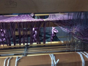 Threading heddles